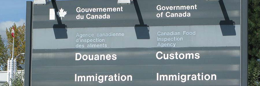 Canadian customs and immigration sign