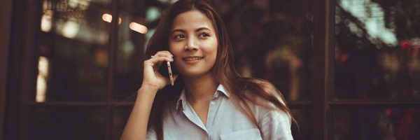 Lady talking to someone on a mobile phone