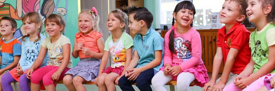 kids in kindergarten class